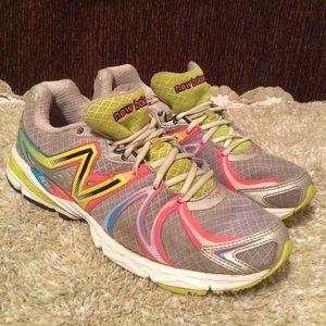 New Balance Shoes - New Balance Women's 870 Gray Pink Sz 10